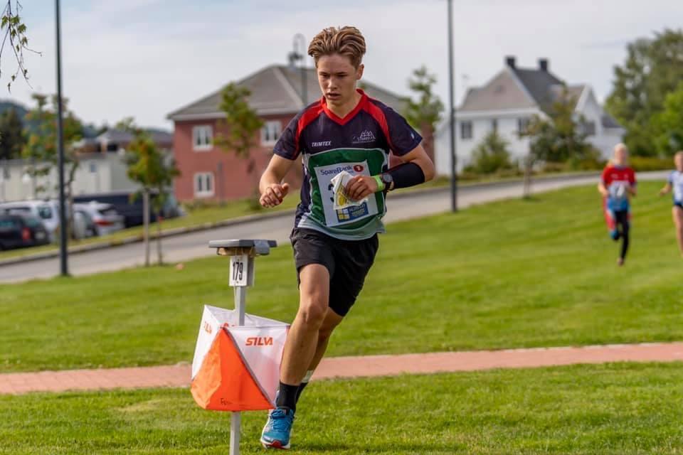 """Mathias stempler på siste post på sprinten"""""""